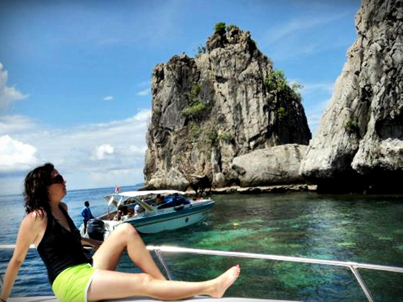 One Day Tour 4 Islands By Speed Boat (Time 10.30 A.M.)
